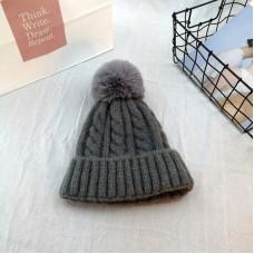 Женская теплая вязанная шапка с помпоном - Grey chrm-M-4385 Серая